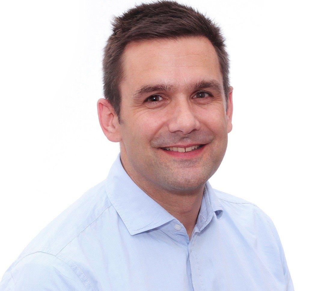Stefan Kloos von Jung Dental